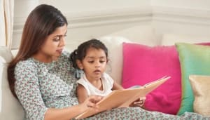 mother-reading-to-her-kid-shutterstock_86427194-4742-11e7-ae7e-b192f5497e3d
