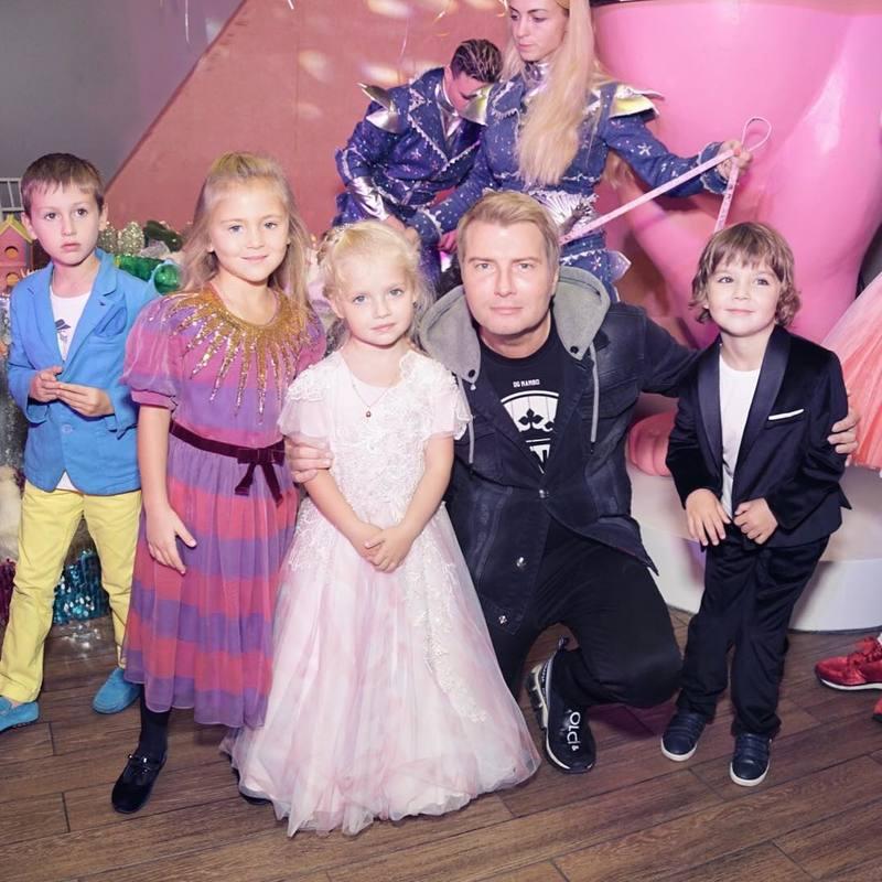 Пугачева день рождения детей фото