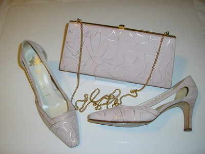 Dusky pink shoes size 6