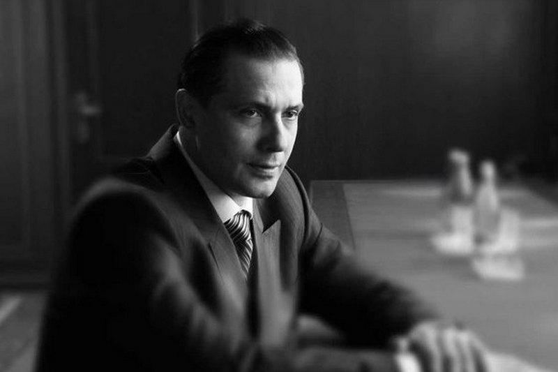 Александр никитин актер биография жена