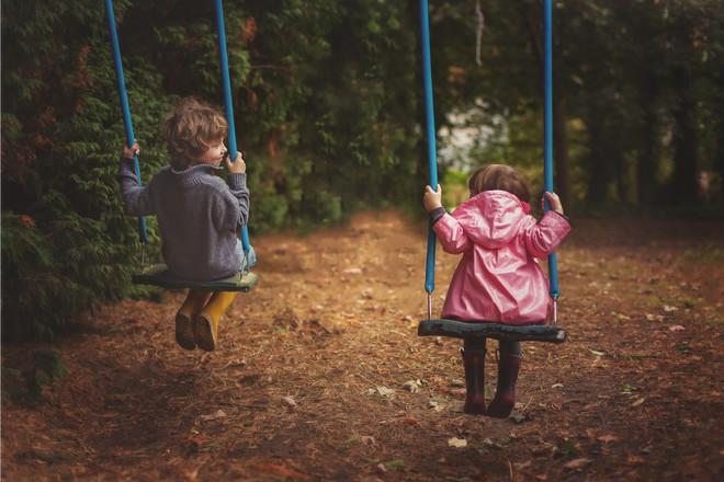Как объяснить ребенку чем отличаются мальчик и девочка