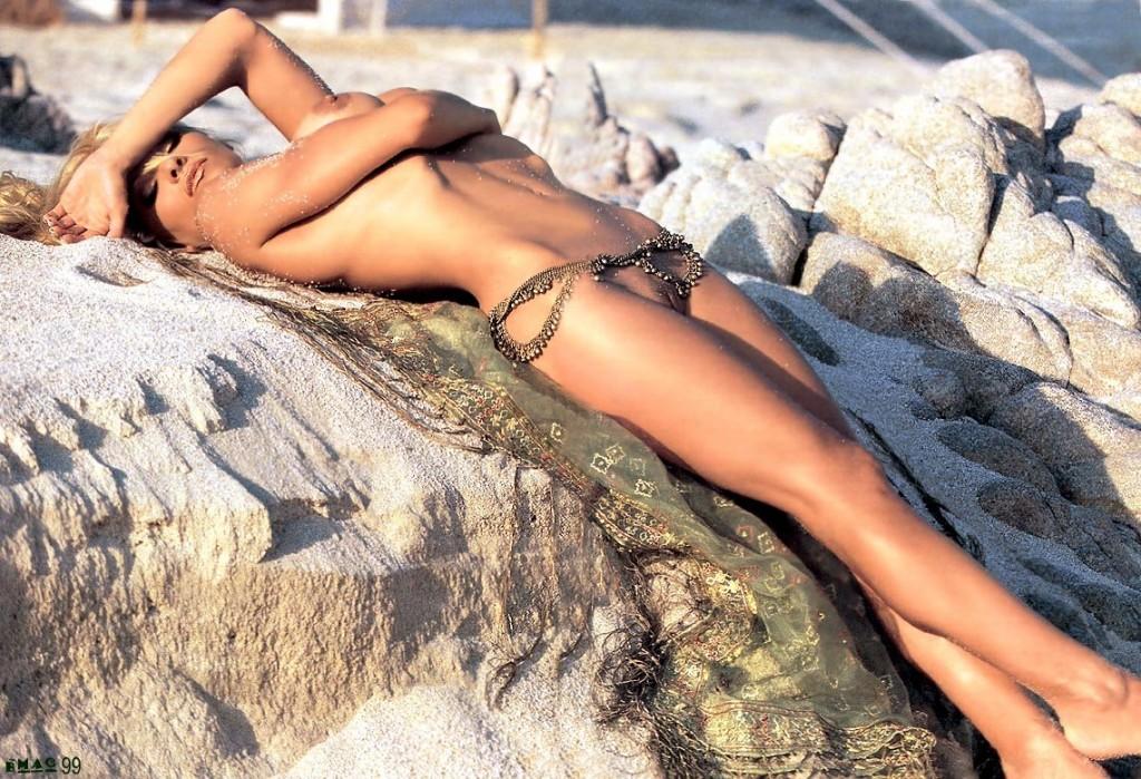 Pamela Anderson Naked 70