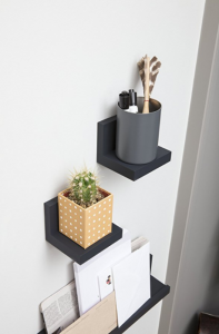 Mounting shelves without nails