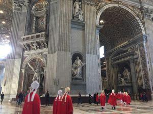 サンピエトロ大聖堂内部1