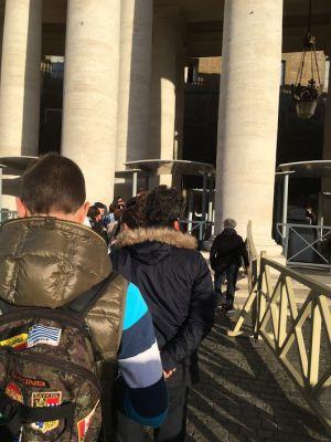 サンピエトロ大聖堂入り口