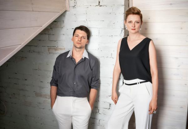 На фото: актриса Мария Леонова и ее муж Даниил Страхов