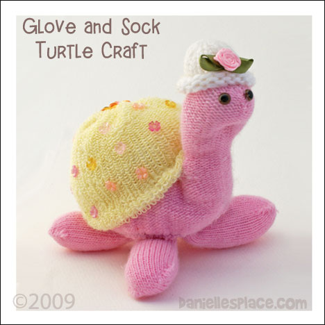Turtle Sock and Glove Craft from www.daniellesplace.com copyright 2009
