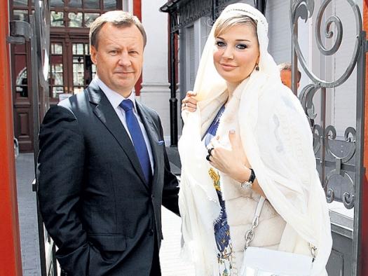 Муж максаковой с новым лицом объявился у бывшей жены