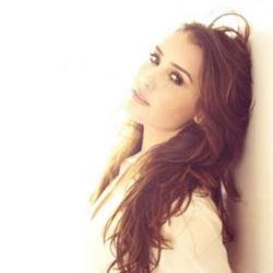 Nikki Flores