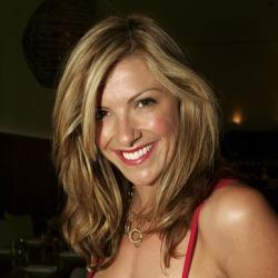 Laura Csortan