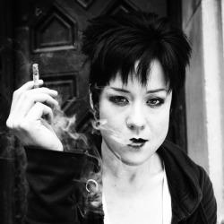 Anna Ishida