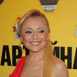 Anzhelika Varum