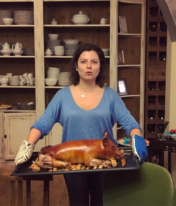 Татьяна Навка показала неудачное фото Маргариты Симоньян