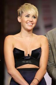Голая актриса, певица Miley Cyrus фото, эротика, картинки - фотосессия из мужского журнала GQ на Xuk.ru! Фото 61