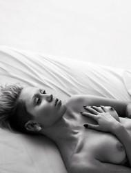 Голая актриса, певица Miley Cyrus фото, эротика, картинки - фотосессия из мужского журнала GQ на Xuk.ru! Фото 106