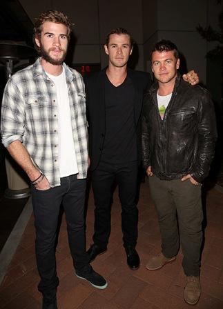 Крис, Лиам и Люк Хемсвортры фото