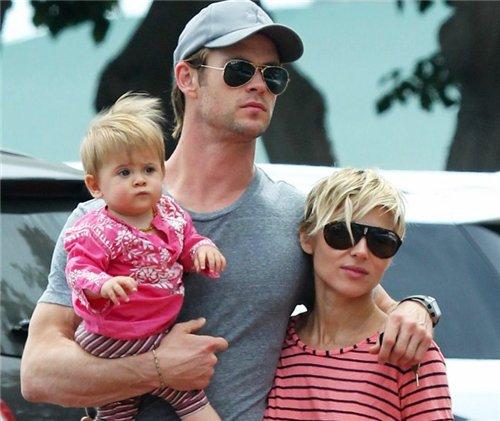 Крис Хемсвотр с семьей