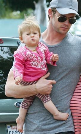 Крис Хемсвотр с дочкой