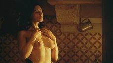 Дженнифер Лоуренс мастурбируют в ванне