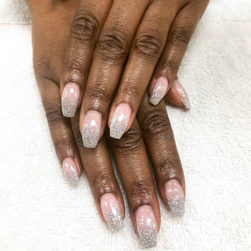 Aqua nails clovis