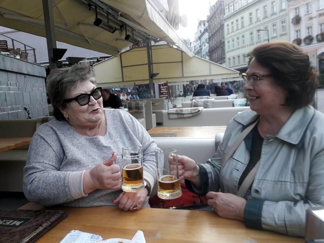 Разговор за бокалом чешского пива