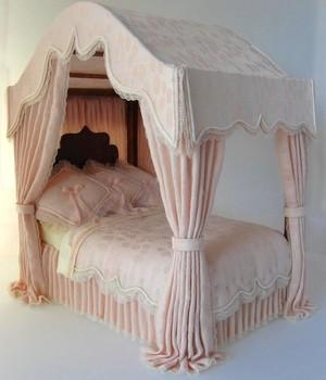 Сборка кукольной мебели для домика