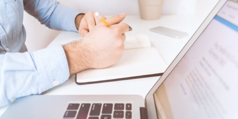 comparaison de 4 critères pour choisir sa domiciliation d'entreprise
