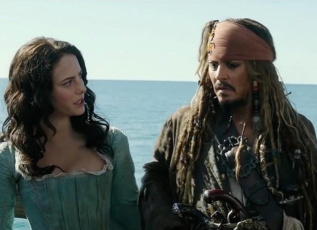 Джонни депп в пиратах карибского моря 6