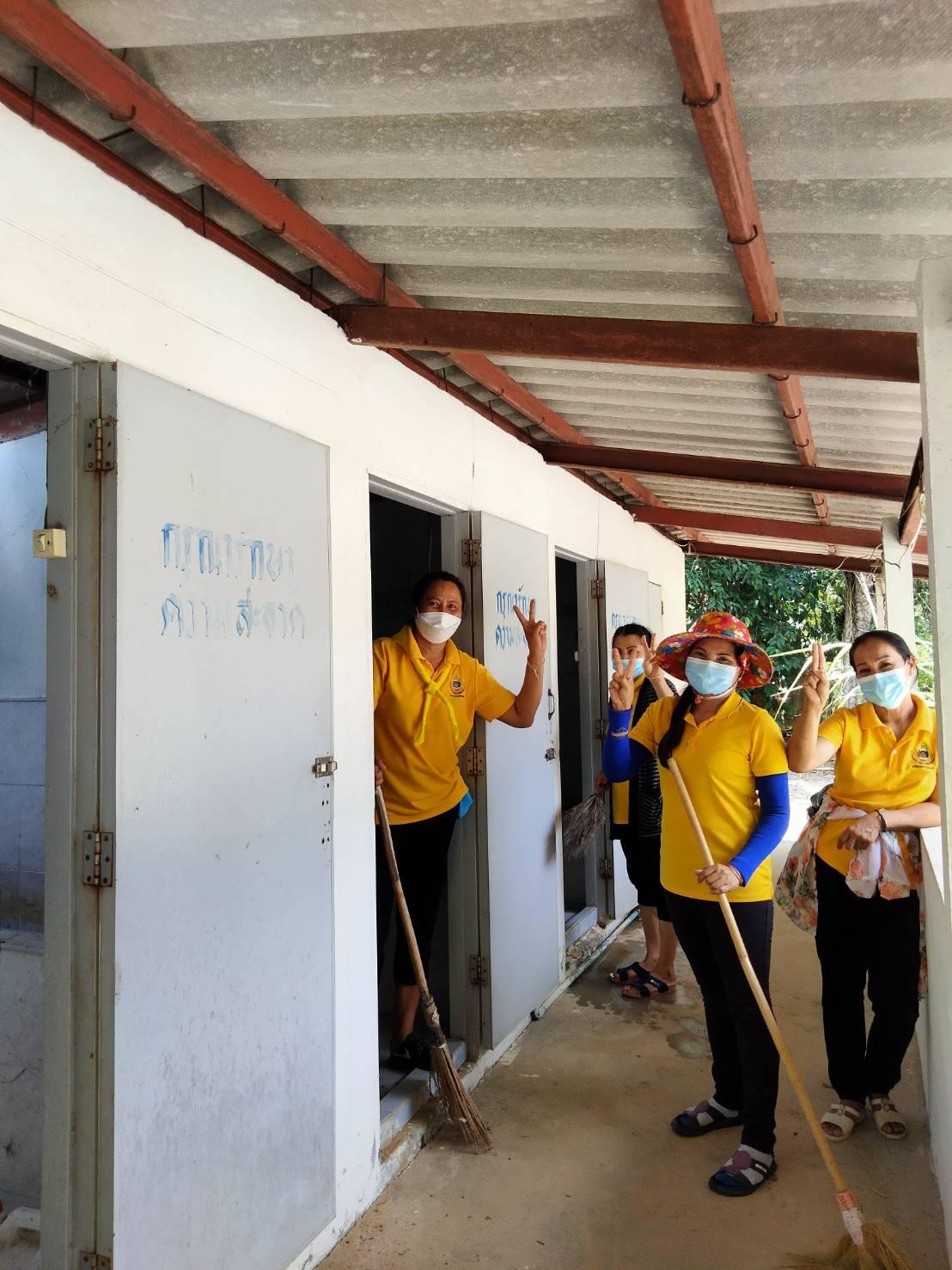 วันที่ 18 ก.ค 2564 ร่วมกันพัฒนาสถานพักเพื่อกักตัวผู้ที่เดินทางมาจากต่างจังหวัดที่วัดอุดมไพรสัณฑ์ บ้านป่าเพิ่ม หมู่ 11