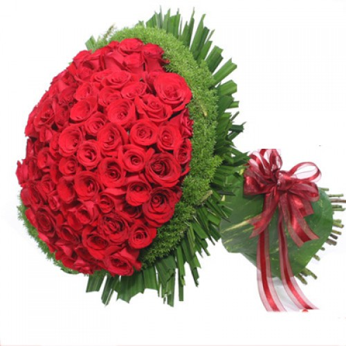 One dozen Red Roses in a Bouquet