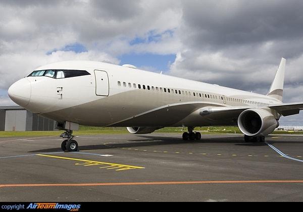 Boeing 767-33AER - Roman Abramovich