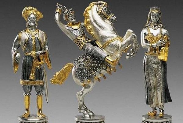 Carolingians & Moors Chess Pieces