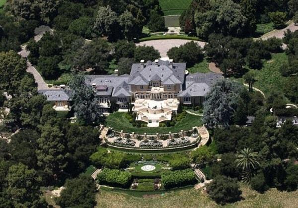Oprah Winfrey's Santa Barbara Mansion