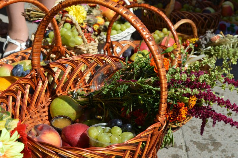 Праздник яблочный спас традиции