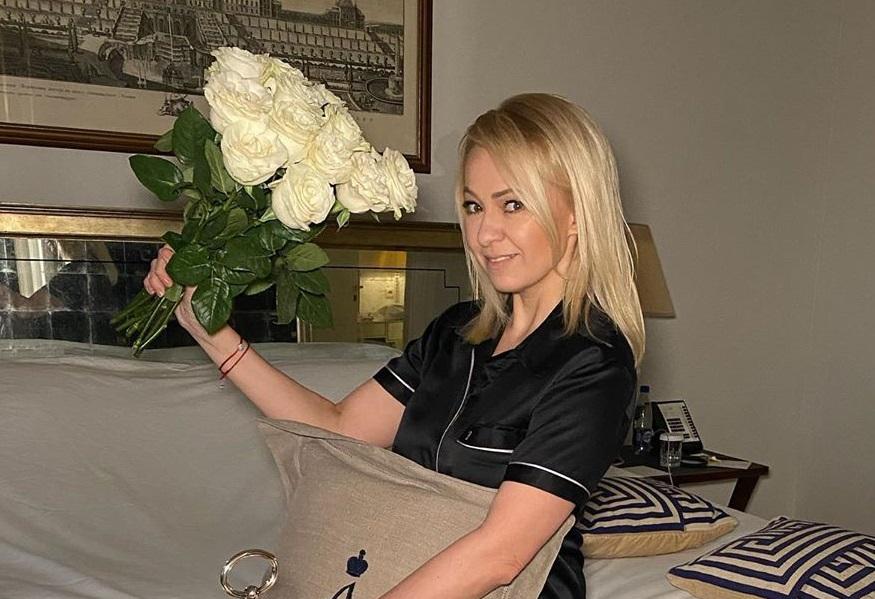 Яна Рудковская похвасталась роскошной гардеробной