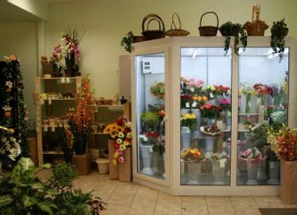Витрина магазина цветов