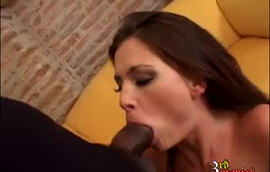 Slutty Jessica Fiorentino deep throats big black dick
