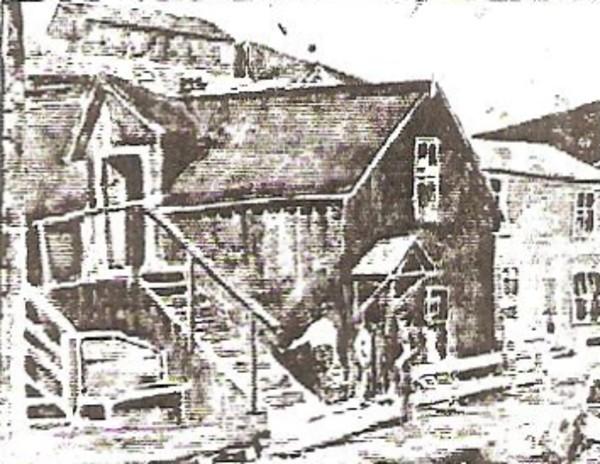 Max Salazar House