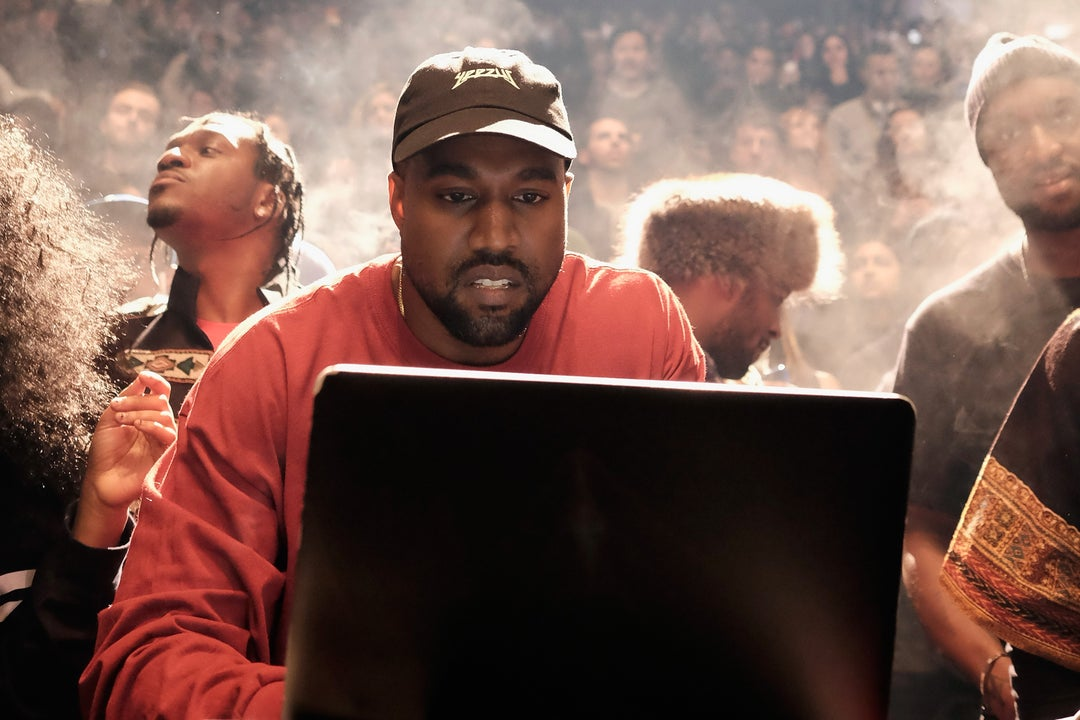 Did kanye west apologize to taylor swift