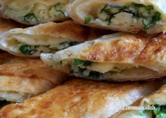 Лаваш с сыром и чесноком на сковороде