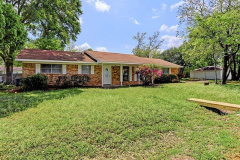 Sealy houses for rent