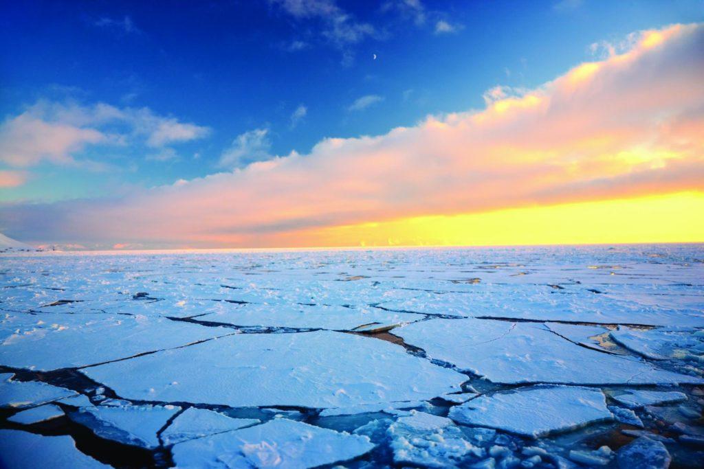 океан подо льдом