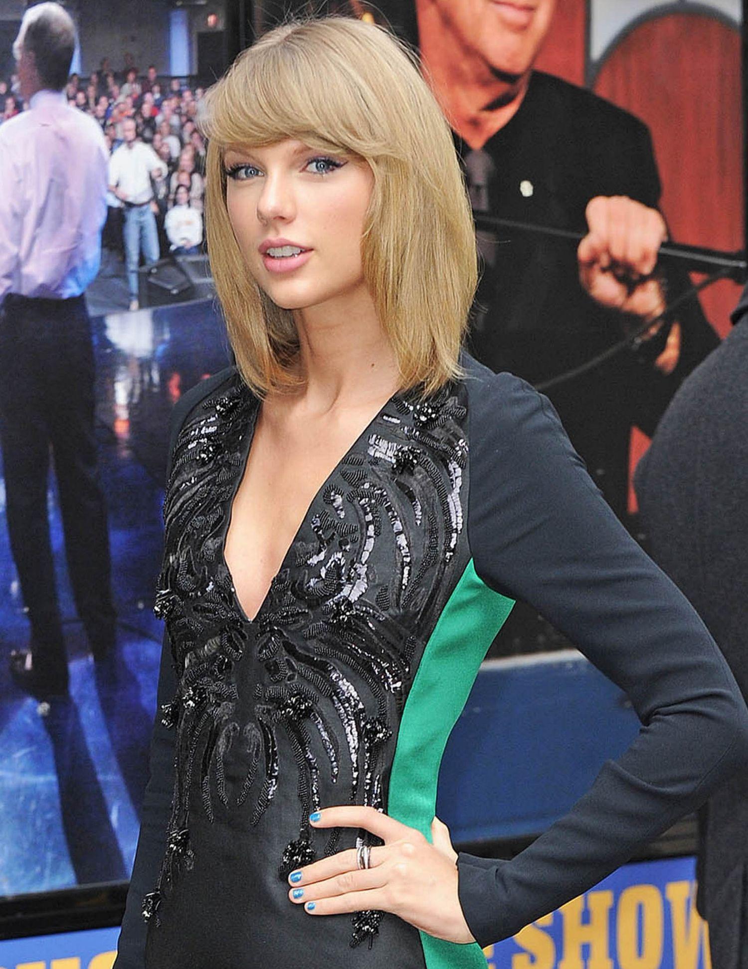 Taylor swift blue nail polish