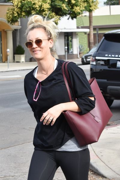 "Kaley Cuoco - ""Keeps it casual as"