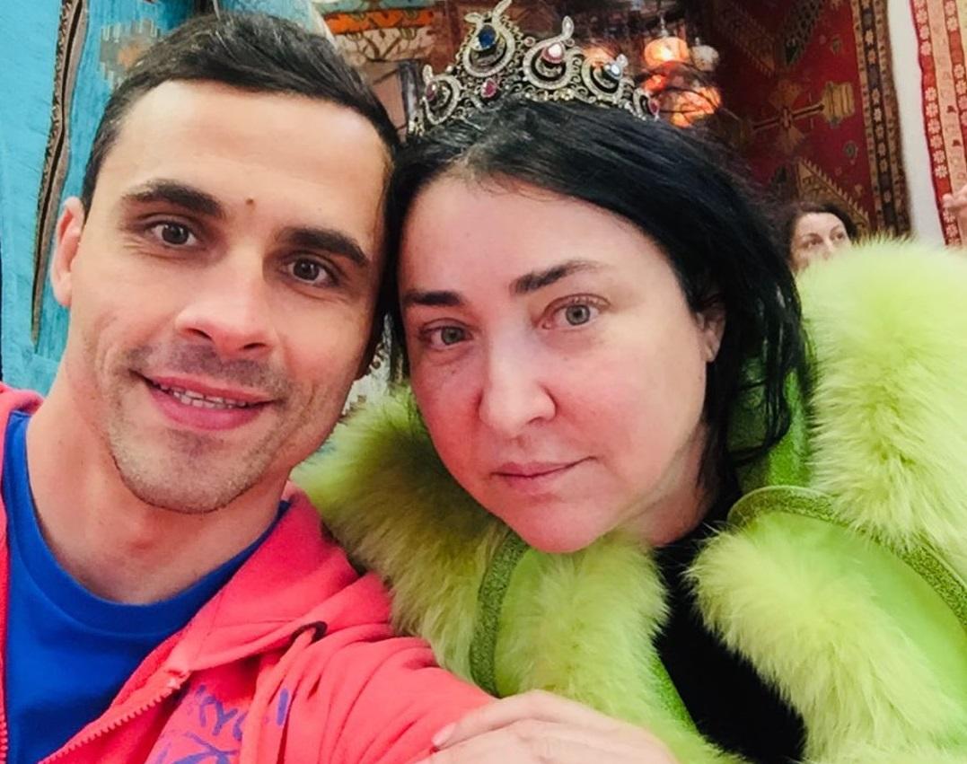 Лолита узнала, что экс-супруг поил ее вредными БАДами