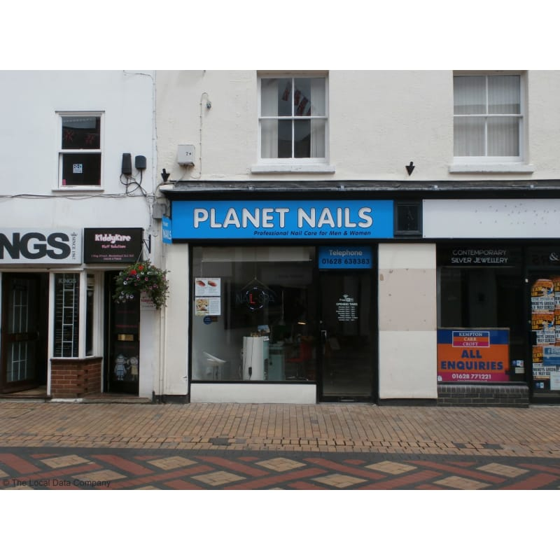 Planet nails maidenhead