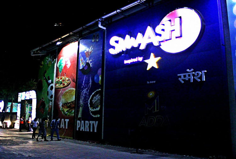 GAMES, SPORTS, FOOD AND MORE AT SMAASH