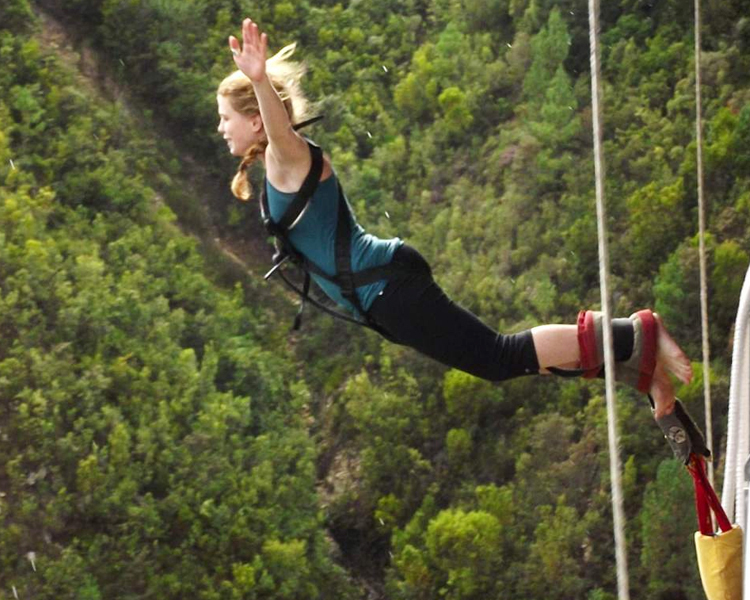 BUNGEE JUMP FLYING FOX AND GIANT SWING