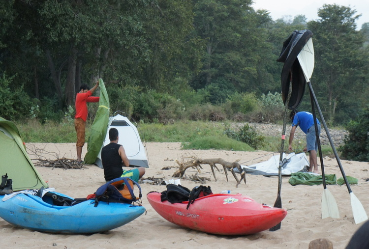 LEARN KAYAKING - WILDWATER DISCOVERY