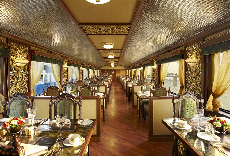GOLDEN TRIANGLE TOUR IN MAHARAJA'S EXPRESS